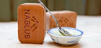Nablus Olivové přírodní mýdlo Zjemňující med 100 g